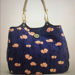 😍NWT Tory Burch Channing Tote😍